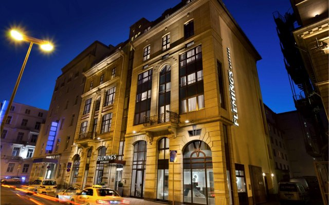Fleming's Express Hotel Frankfurt (Formerly Intercity Hotel Frankfurt) вид на фасад