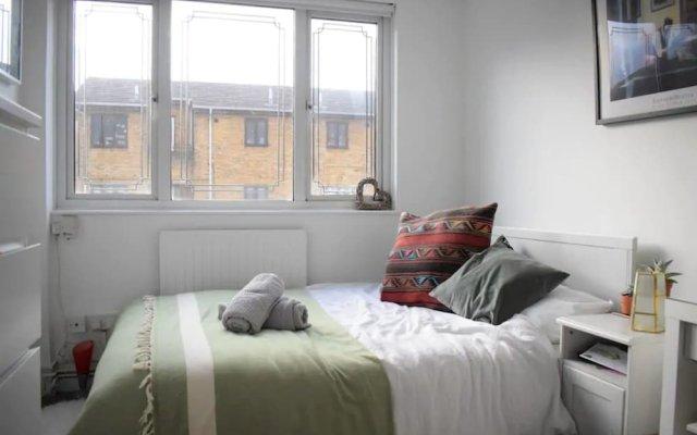 Отель 2 Bedroom Maisonette in Shoreditch комната для гостей
