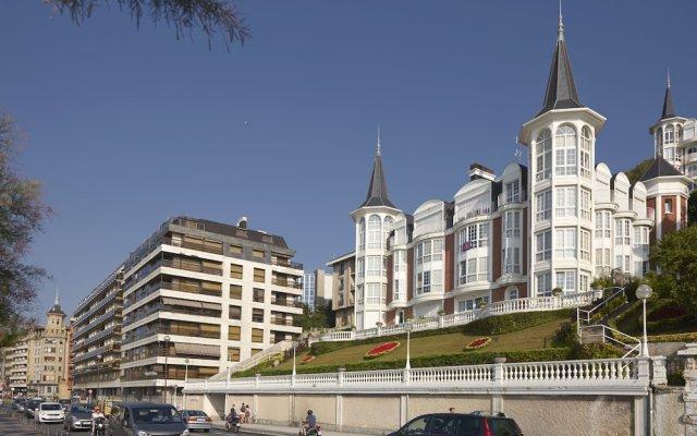 Апартаменты Playa de La Concha 3 Apartment by FeelFree Rentals вид на фасад