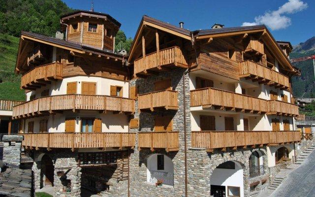Отель Casa Vacanza La Rocca Киеза-ин-Вальмаленко вид на фасад