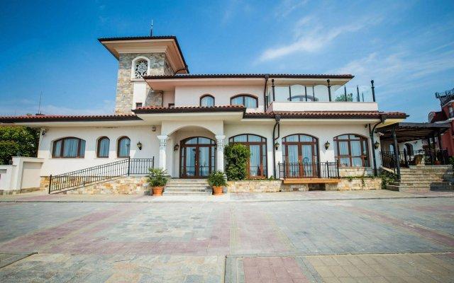 Отель Helena VIP Villas and Suites Болгария, Солнечный берег - отзывы, цены и фото номеров - забронировать отель Helena VIP Villas and Suites онлайн вид на фасад