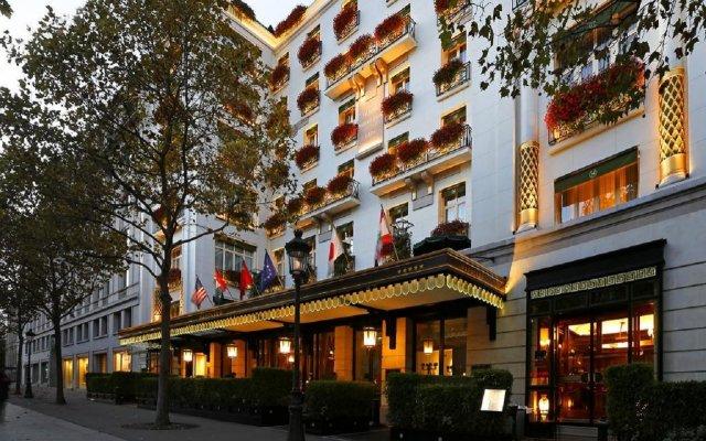 Hotel Napoleon вид на фасад