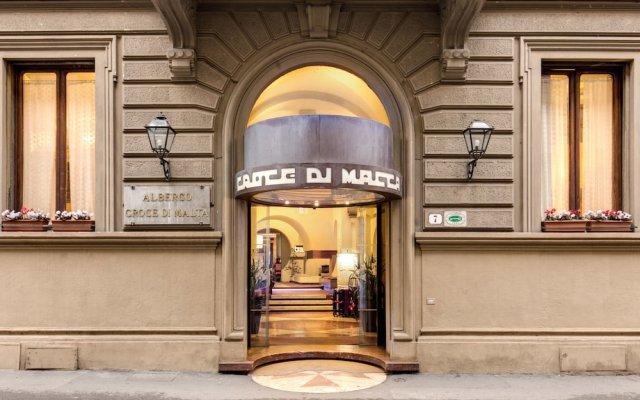 Отель Croce Di Malta Hotel Италия, Флоренция - 8 отзывов об отеле, цены и фото номеров - забронировать отель Croce Di Malta Hotel онлайн вид на фасад