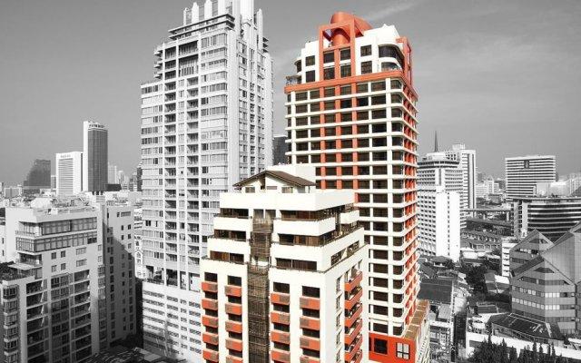 Отель Bandara Suites Silom Bangkok вид на фасад