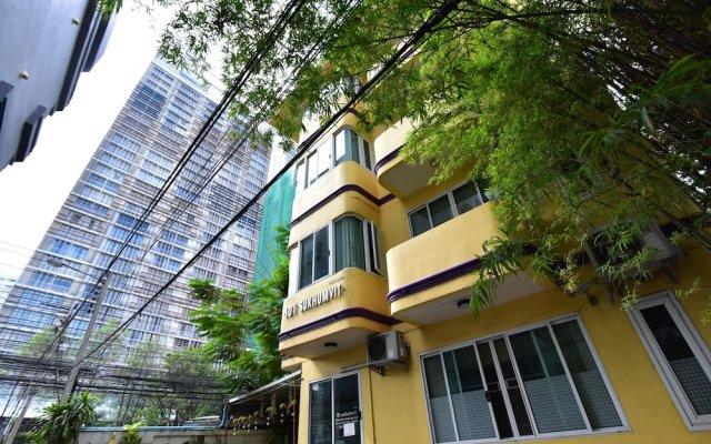 Апартаменты 101 Serviced Apartment Sukhumvit 22 Бангкок вид на фасад