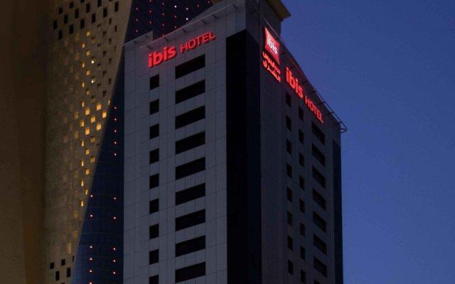 Отель ibis Sharq Kuwait вид на фасад