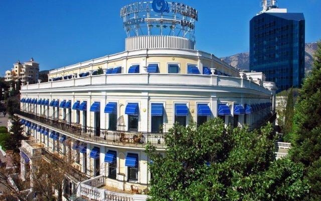 Отель Premier Palace Oreanda Ялта вид на фасад