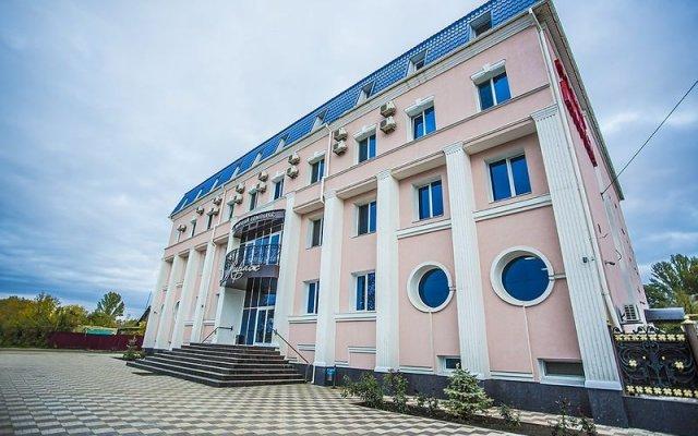 Гостиница Мираж вид на фасад