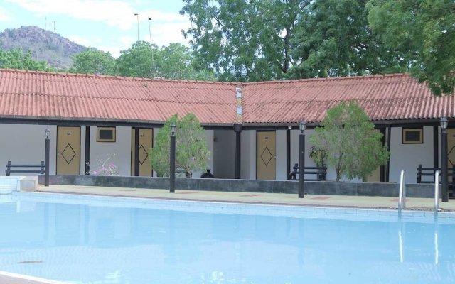 Отель Jayasinghe Holiday Resort вид на фасад