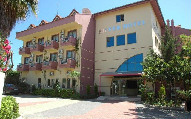 Отель Silver Сиде вид на фасад
