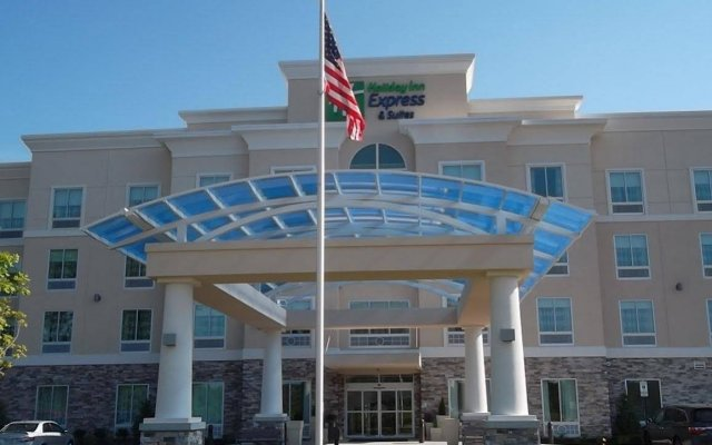 Holiday Inn Express & Suites Columbus - Easton Area, an IHG Hotel