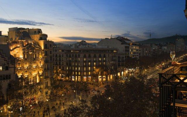 Отель Godó Luxury Apartment Passeig de Gracia Испания, Барселона - отзывы, цены и фото номеров - забронировать отель Godó Luxury Apartment Passeig de Gracia онлайн вид на фасад
