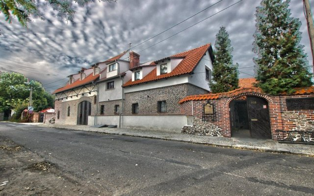Отель Karczma Rzym & Straszny Dwor вид на фасад