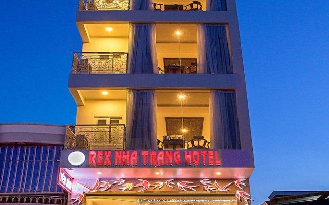 Rex Hotel and Apartment вид на фасад