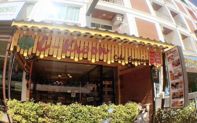 I-kroon Café & Hotel вид на фасад