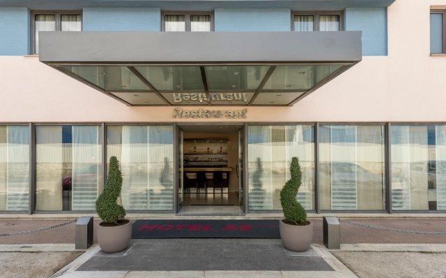 Hotel As вид на фасад