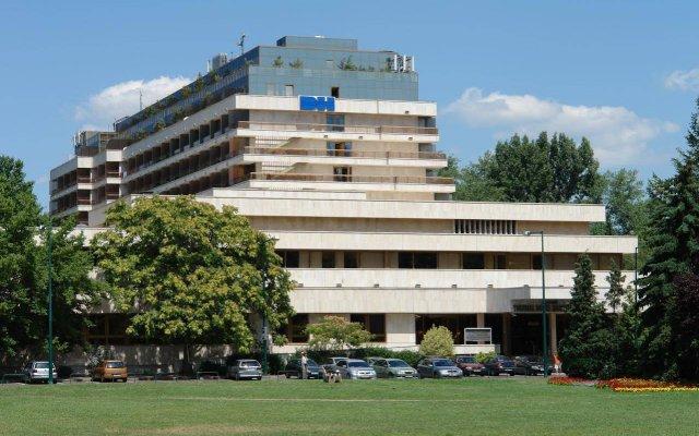 Ensana Thermal Margitsziget Health Spa Hotel Будапешт вид на фасад