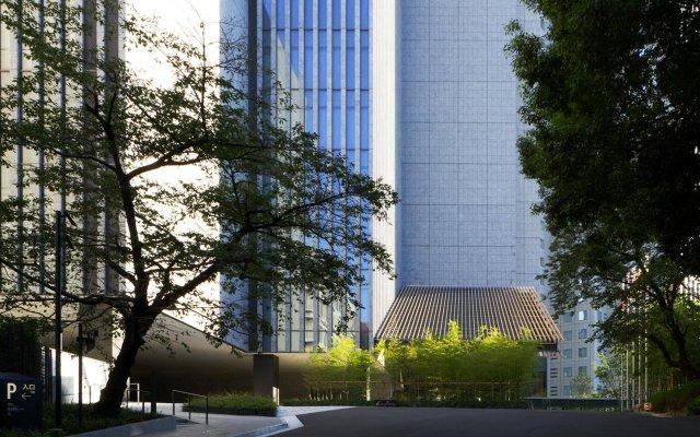The Capitol Hotel Tokyu вид на фасад