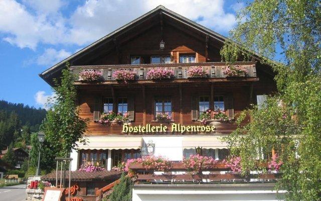 Отель Boutique Hotel Alpenrose Швейцария, Шёнрид - отзывы, цены и фото номеров - забронировать отель Boutique Hotel Alpenrose онлайн вид на фасад