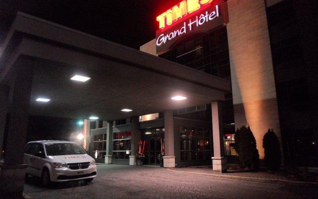Отель Grand Times Hotel Quebec City Airport Канада, Л'Ансьен-Лорет - отзывы, цены и фото номеров - забронировать отель Grand Times Hotel Quebec City Airport онлайн вид на фасад