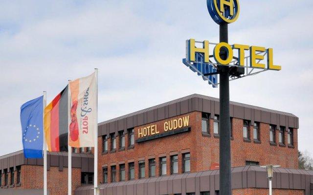 Hotel Gudow вид на фасад