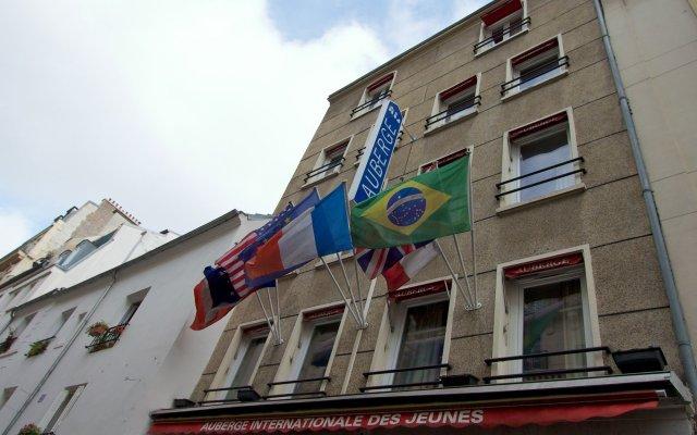 Отель Auberge Internationale des Jeunes вид на фасад