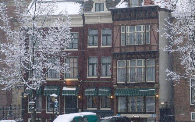 Отель Singel вид на фасад