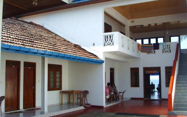 Budde'S Beach Restaurant & Guesthouse