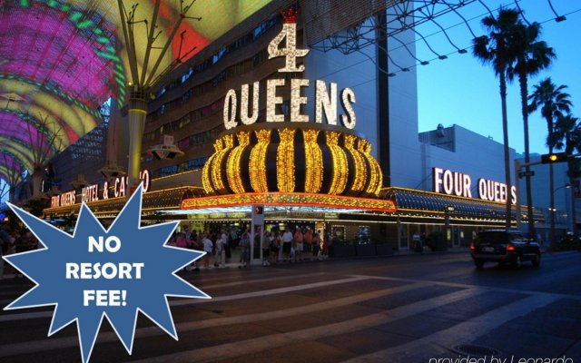 Отель Four Queens Hotel and Casino США, Лас-Вегас - отзывы, цены и фото номеров - забронировать отель Four Queens Hotel and Casino онлайн вид на фасад