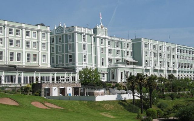 The Palace Hotel вид на фасад