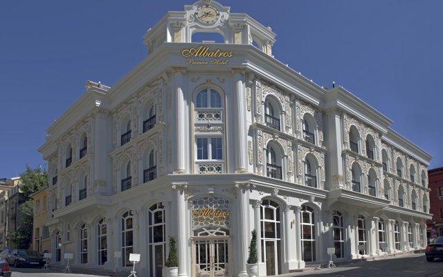 Albatros Premier Hotel вид на фасад