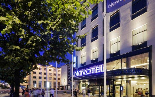 Отель Novotel Vilnius Centre вид на фасад