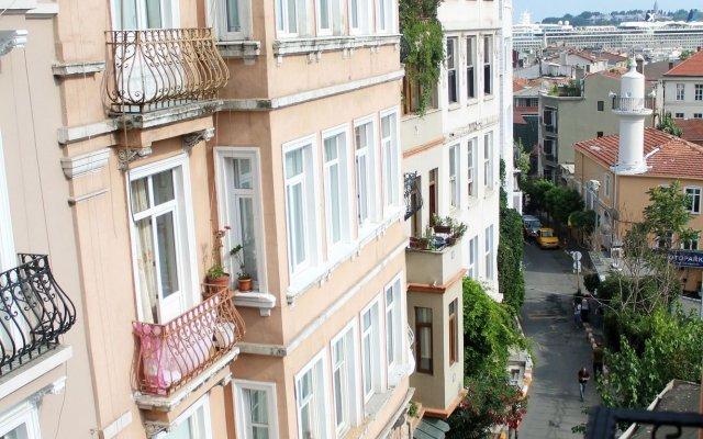 Cheers Meetown Hostel Стамбул вид на фасад