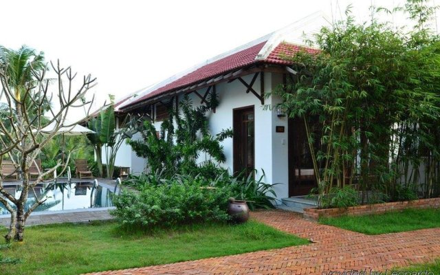 Отель Riverside Bamboo Resort Хойан вид на фасад