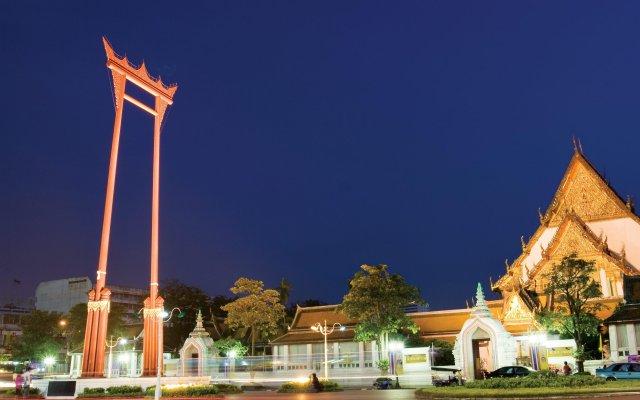 Sri Krungthep Hotel вид на фасад