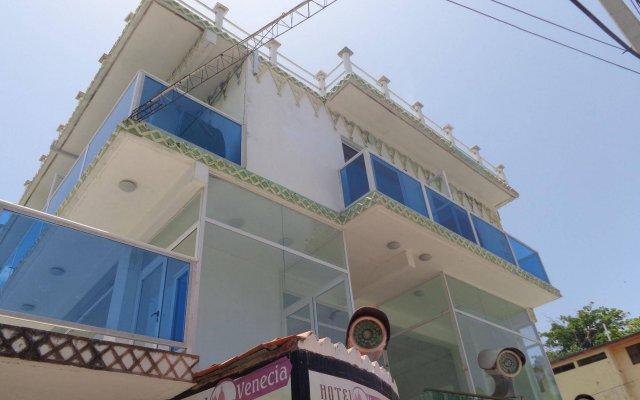 RIG Hotel Plaza Venecia вид на фасад