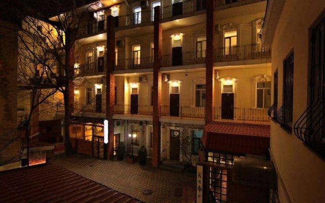 Гостиница Одесса Executive Suites вид на фасад