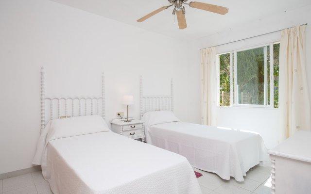 Отель Villa Es Port Santa Ponça комната для гостей