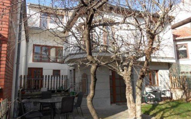 Отель Hostel Oasis Сербия, Белград - отзывы, цены и фото номеров - забронировать отель Hostel Oasis онлайн вид на фасад