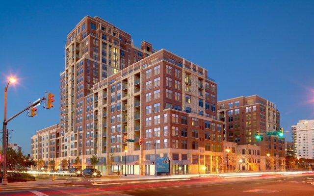 Отель Stay With Kay Pentagon City США, Арлингтон - отзывы, цены и фото номеров - забронировать отель Stay With Kay Pentagon City онлайн вид на фасад