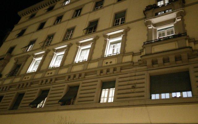Отель Vatican Space Rooms in Rome вид на фасад