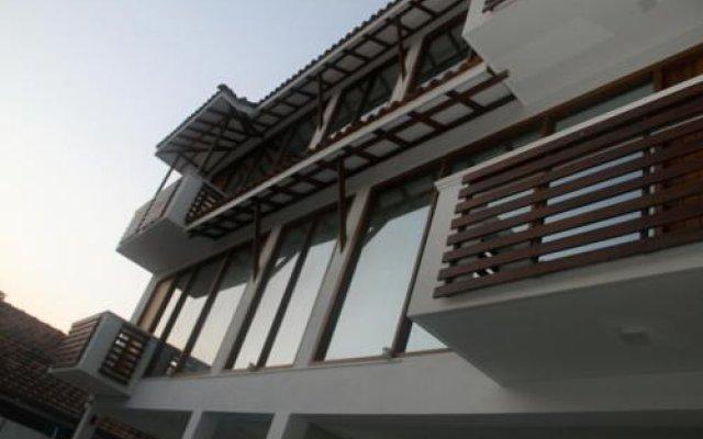 Отель Binnacle Negombo вид на фасад