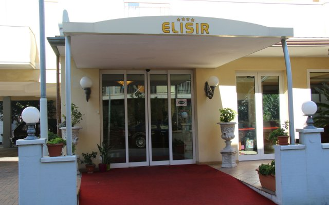 Hotel Elisir вид на фасад