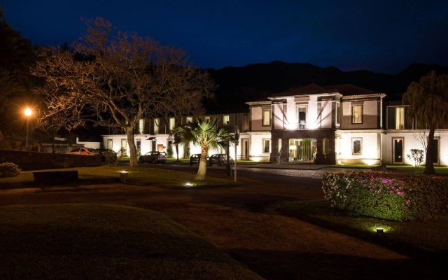 Furnas Boutique Hotel Thermal & Spa вид на фасад
