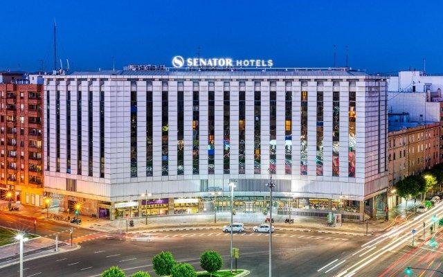 Отель Senator Parque Central Hotel Испания, Валенсия - 12 отзывов об отеле, цены и фото номеров - забронировать отель Senator Parque Central Hotel онлайн вид на фасад