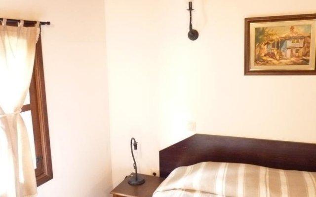 Отель Parlapanova Guest House - Pool Access Боженци комната для гостей