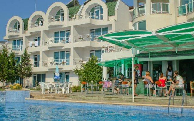 Peter Hotel Равда вид на фасад