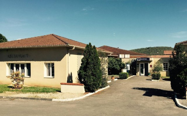Отель Kyriad Cahors вид на фасад