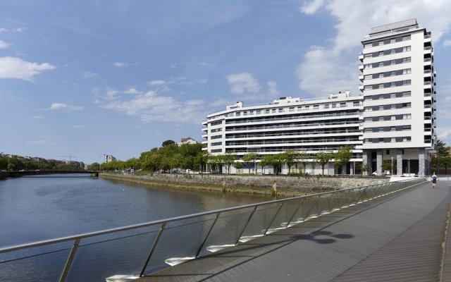 Апартаменты River Terrace 3 Apartment by FeelFree Rentals вид на фасад