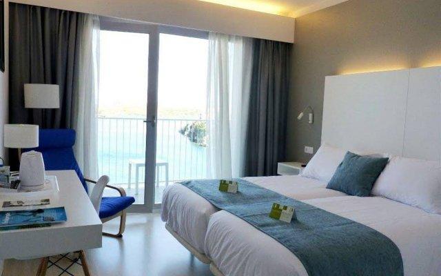 Hotel Artiem Carlos III комната для гостей
